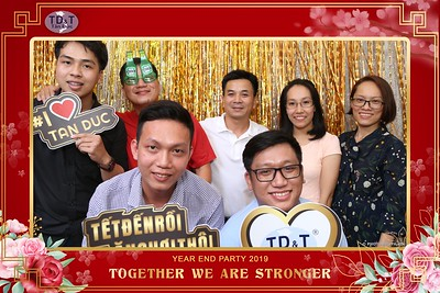 TD-T-Year-End-Party-2019-at-Non-La-Restaurant-instant-print-photo-booth-Chup-hinh-lay-lien-Tiec-Tat-Nien-2019-WefieBox-Photobooth-Vietnam-074