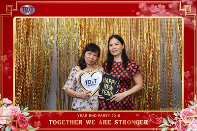 TD-T-Year-End-Party-2019-at-Non-La-Restaurant-instant-print-photo-booth-Chup-hinh-lay-lien-Tiec-Tat-Nien-2019-WefieBox-Photobooth-Vietnam-083