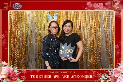 TD-T-Year-End-Party-2019-at-Non-La-Restaurant-instant-print-photo-booth-Chup-hinh-lay-lien-Tiec-Tat-Nien-2019-WefieBox-Photobooth-Vietnam-075