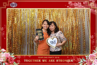 TD-T-Year-End-Party-2019-at-Non-La-Restaurant-instant-print-photo-booth-Chup-hinh-lay-lien-Tiec-Tat-Nien-2019-WefieBox-Photobooth-Vietnam-084