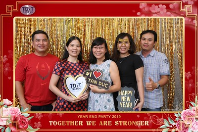 TD-T-Year-End-Party-2019-at-Non-La-Restaurant-instant-print-photo-booth-Chup-hinh-lay-lien-Tiec-Tat-Nien-2019-WefieBox-Photobooth-Vietnam-067