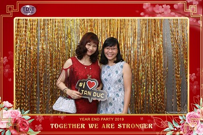 TD-T-Year-End-Party-2019-at-Non-La-Restaurant-instant-print-photo-booth-Chup-hinh-lay-lien-Tiec-Tat-Nien-2019-WefieBox-Photobooth-Vietnam-071