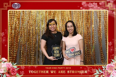 TD-T-Year-End-Party-2019-at-Non-La-Restaurant-instant-print-photo-booth-Chup-hinh-lay-lien-Tiec-Tat-Nien-2019-WefieBox-Photobooth-Vietnam-070