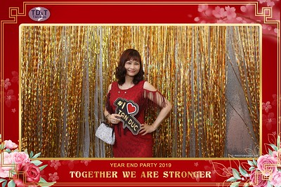 TD-T-Year-End-Party-2019-at-Non-La-Restaurant-instant-print-photo-booth-Chup-hinh-lay-lien-Tiec-Tat-Nien-2019-WefieBox-Photobooth-Vietnam-072