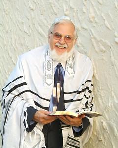 Rabbi before