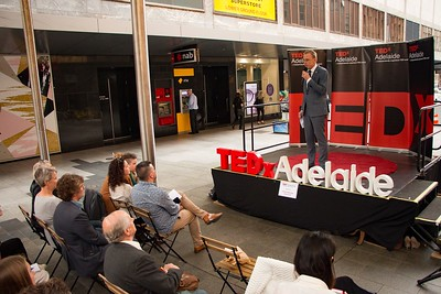 TEDxAdelaide-RundleMall-NathanielMason-0189
