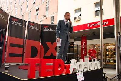TEDxAdelaide-RundleMall-NathanielMason-0173