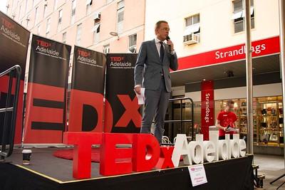 TEDxAdelaide-RundleMall-NathanielMason-0174