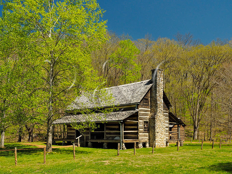 TN DOVER LAND BETWEEN THE LAKES NRA HOMEPLACE DOUBLE PEN HOUSE APRAF_4150026bMMW