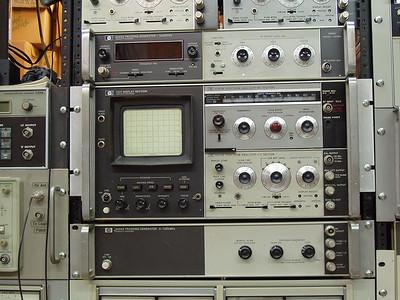 HP 141T SPECTRUM ANALYZER