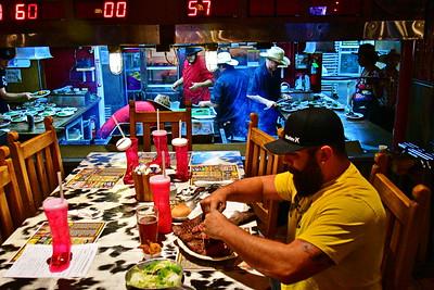 Big_Texan_Steak_Ranch_Amarillo_500_1789