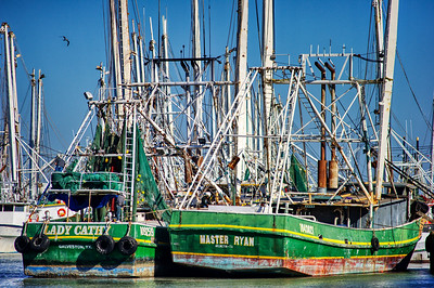 Gulf_shrimpers_HDR_WCW9125