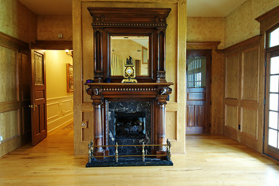 Organ_room_fireplace_mantle_DSC_0488