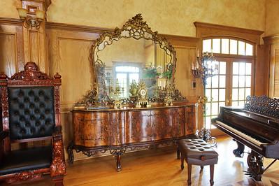 Organ_room_furniture_DSC_0485