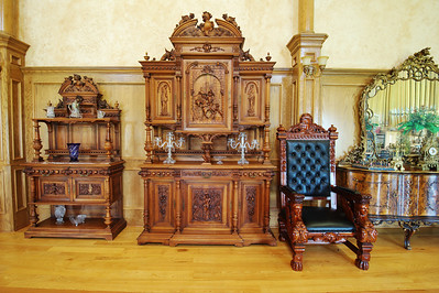 Organ_room_furniture_DSC_0484