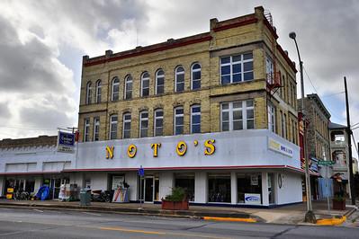 Navasota_Notos_Building_LAN1130