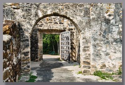 09202017_San_Antonio_Missions_San_Juan_Gate_750_0099-WMt