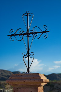 Terlingua_Cemetary_Iron_Cross_D71_5258