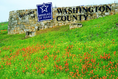 Washington County welcome sign on US290