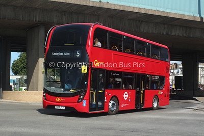 Route 5 - EH134, YW17JTZ, London General (T/A Blue Triangle)
