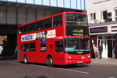 Route 128 - VLA126, LJ05BJK, Arriva London North