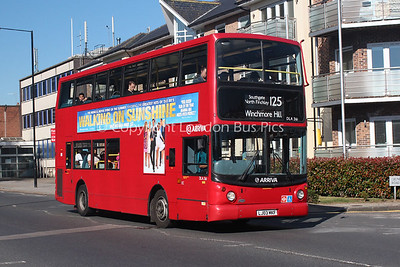 Route 125 - DLA361, LJ03MKF, Arriva London North
