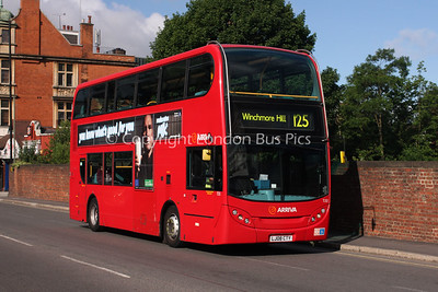 Route 125 - T33, LJ08CTY, Arriva London North
