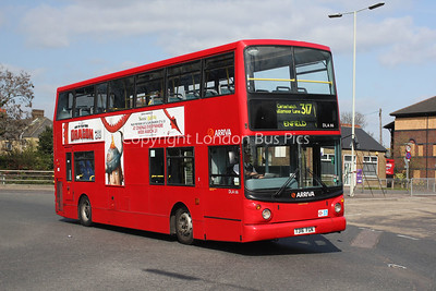 Route 317 - DLA116, T116FGN, Arriva London North