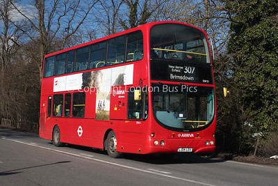 Route 307 - DW51, LJ04LDX, Arriva London North