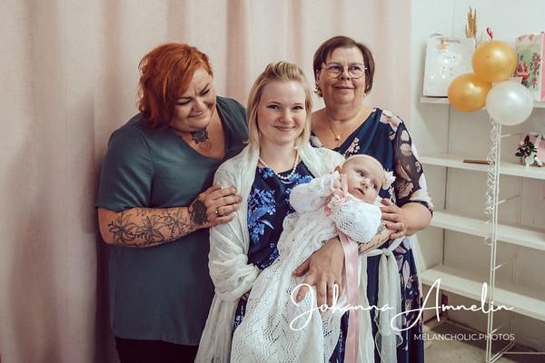 Tunnelmia ensimmäisen lapsenlapseni ristiäisistä, paniikkihäiriöisen kokemuksia ja sosiaalistentilanteidenpelon kanssa elämistä