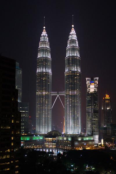Night View of Petronas Tower (Twin Tower) in Kuala Lumpur, Malaysia
