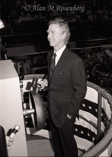 American Stock Exchange Chariman, Arthur Levitt Jr. rings the opening bell in celebration of the opening of the new mezzanine trading floor. Nov. 29, 1982