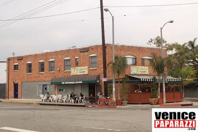 THE BRICKHOUSE KITCHEN. 826 Hampton Drive. Venice, CA 90291. 310.581.1639 Venice, CA 90291  www.myspace.com/brickhousekitchen    www.venicepaparazzi.com