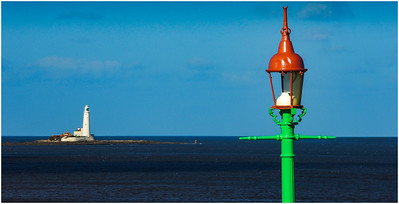 LAMP-POSTS-BY-THE-SEA, WHITLEY BAY