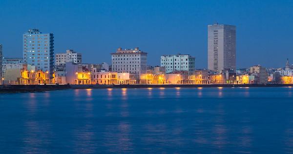 Twilight Along the Malecón, Havana