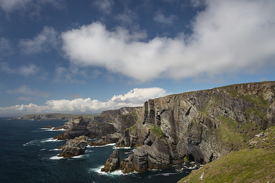Cliffs of Mizzen Head and Atlantic Ocean, Western Ireland.