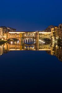 Twilght over the Ponte Vecchio Bridge, Italy.