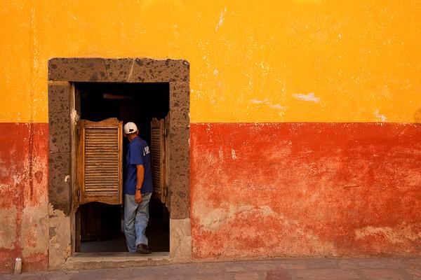 Man entering a saloon, San Miguel de Allende.