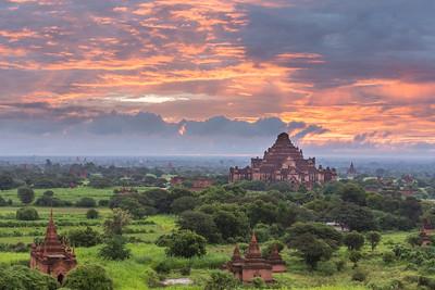 Dawn over Bagan Plains