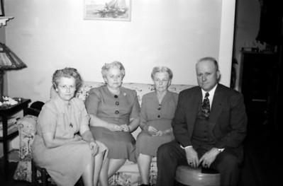 Kathleen (Granny), Minnie Belle, Nanna, & Richard
