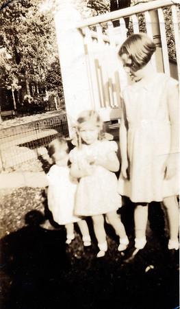 """""""Billie"""" Arnold Dutrow, Katherine Arnold Gosnell, Bonnie Graham Updegrove"""