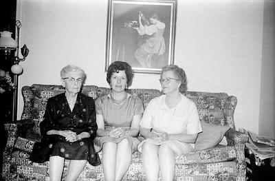 "Katherine ""Nanna"" Yakey Arnold, Katherine ""Bonnie"" Updegrove, Kathleen ""Granny"" Arnold Graham"