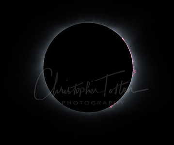 TOTALITY WITH SOLAR FLAIRS