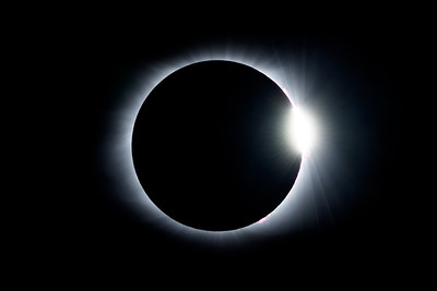 TOTALITY AND DIAMOND GROWS LARGER