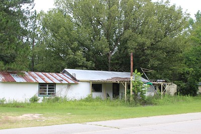 Hwy 46 Brooklet -white with metal roof/45 miles from PO