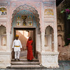Couple at the entrance of a Haveli, Mandawa.