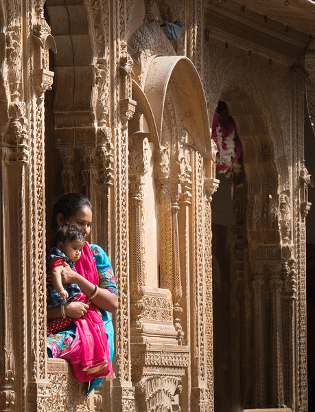 Mother and Child in the window of a Haveli, Jaisalmer, Rajasthan.