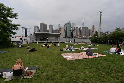 THE  METROPOLITAN  OPERA  at  Brooklyn  Bridge  Park  2015   -   Brooklyn,  New  York City