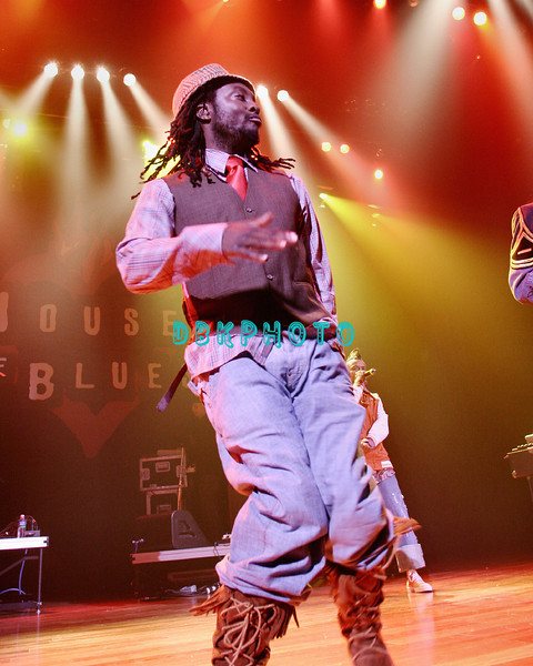 ATLANTIC CITY - JULY 4:  The Black Eyed Peas celebrated the holiday by bringing their Hip-Hop sounded from Live 8 to New Jersey when they performed at the brand new, Atlantic City,House Of Blues on July 4, 2005 in Atlantic City, New Jersey.  (
