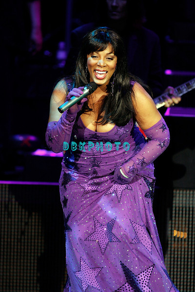 "ATLANTIC CITY, NJ - JULY 25:  Donna Summer performs in concert before a ""SRO' crowd at Caesars Atlantic City on July 25, 2008 in Atlantic City, New Jersey.  ("